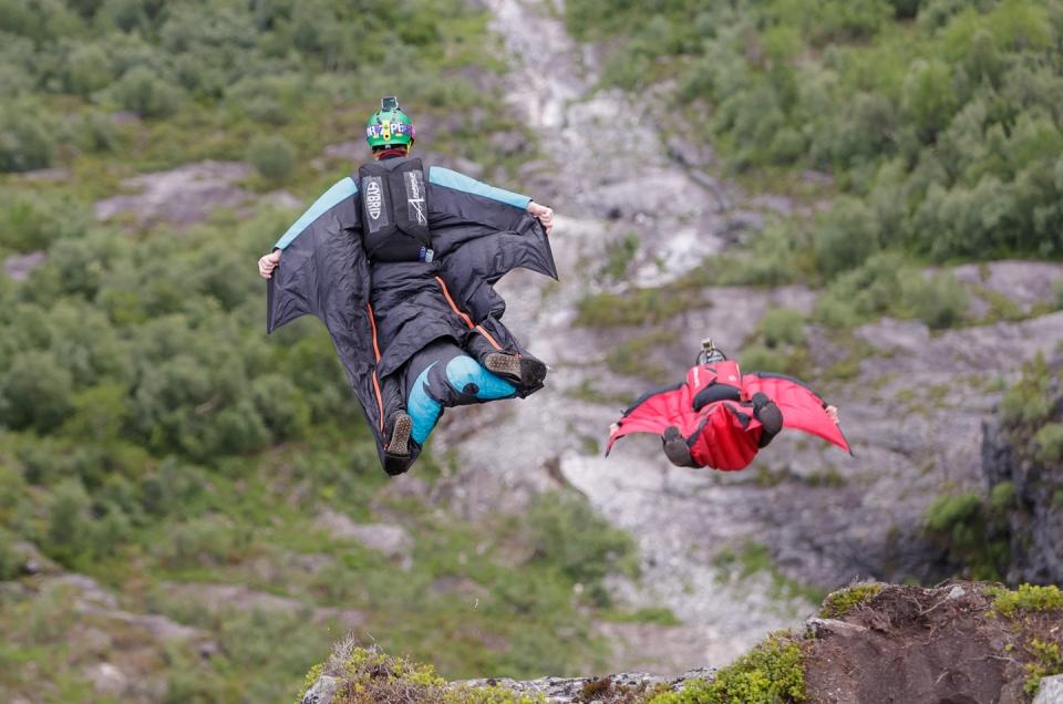 Base jump og fallskjermhopping i Loen, Vestlandet, Norge